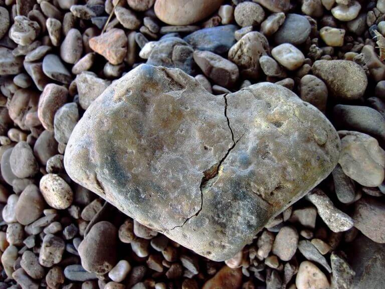 çakıllar arası büyük taş