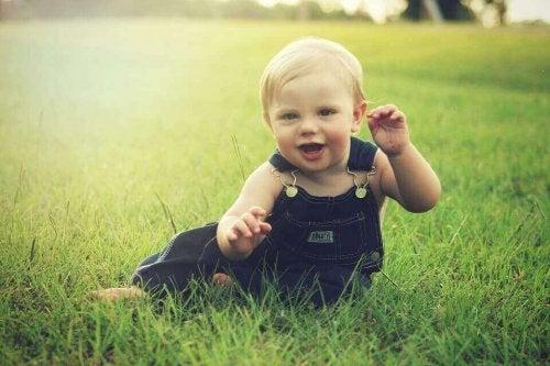 Bebeklerin 7. ve 8. Aylardaki Gelişmelerindeki Kilometre Taşları