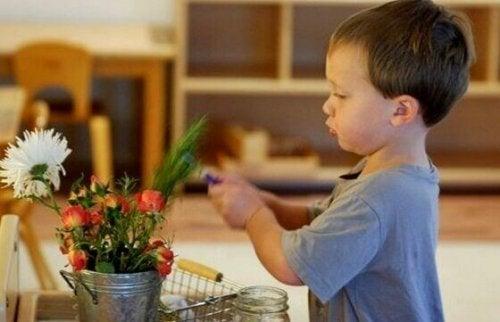 çiçek ve çocuk