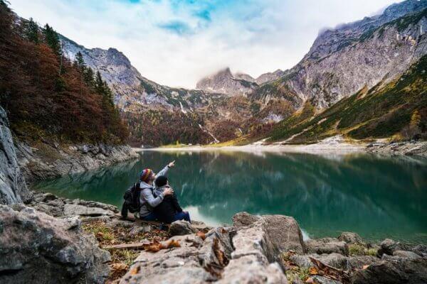 dağların dibinde göl