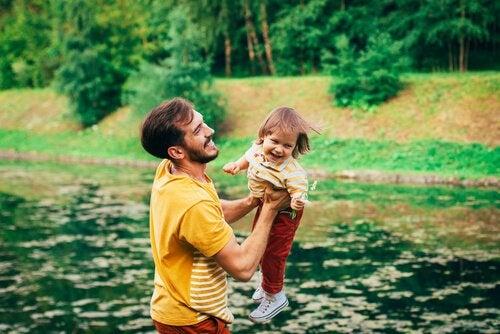 ormanda baba çocuk
