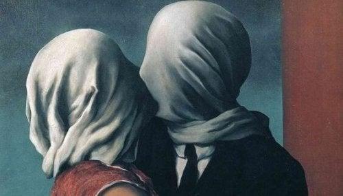 yüzleri kapalı çift