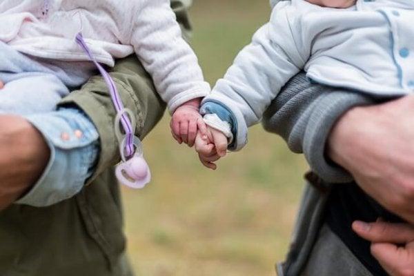 bebeklikte arkadaşlıklar