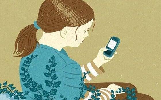 kadın telefonla kök salmış