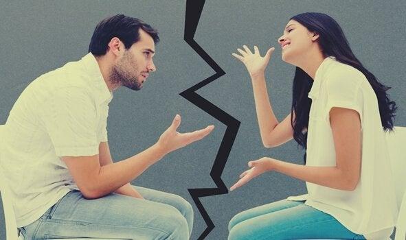 iletişim hataları ile tartışan çift