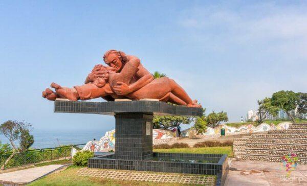 öpücük heykeli