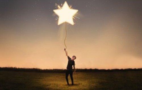 yıldız balonlu adam
