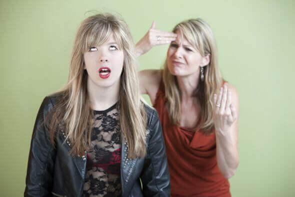 annesini delirten kız