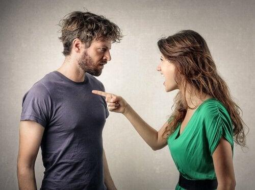 tartışan bir çift