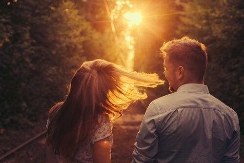 Birdenbire Sen Geldin: Aşık Olmak Üzerine Bir Hikaye