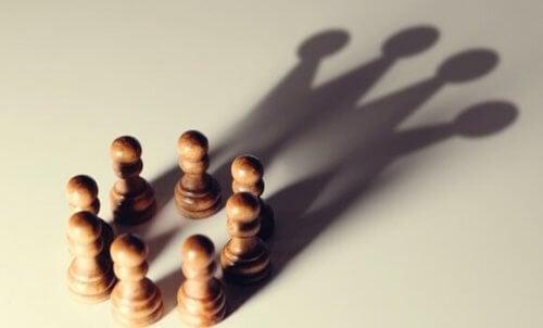 Otorite Pozisyonundakilere Yarayan 5 Bilişsel Ön Yargı