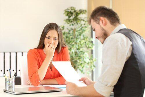 iş görüşmesinde kadın