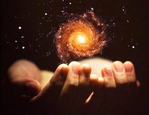 ışık enerji eller