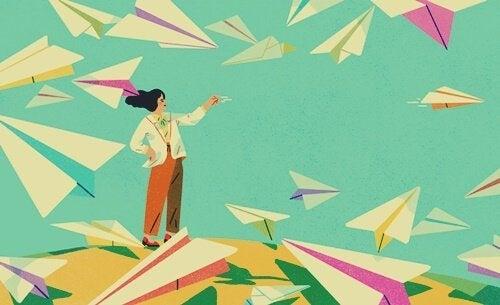 kağıttan uçaklar ve kadın