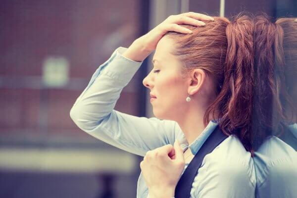üzgün kadın