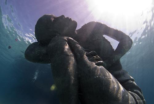 su altında atlas
