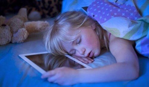 Teknolojik Uykusuzluk: Uykusuzluğun Sebebi Ekranlar
