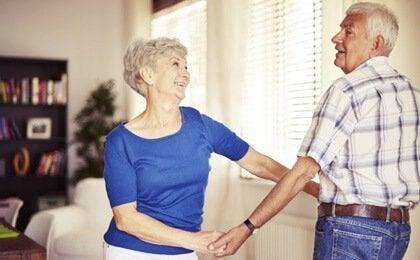 Yaşlılıkta Dans Etmenin Faydaları