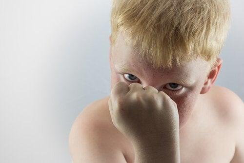çocuklarda saldırganlık ve kola