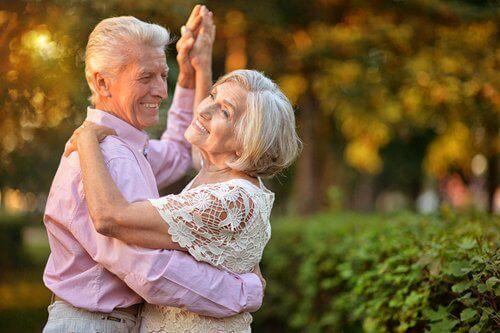 dans eden bir çift