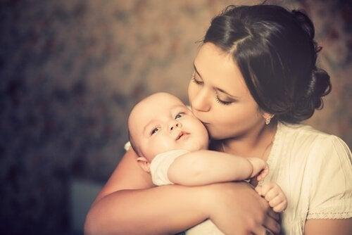 Anne Olmak: Bu Yükün Altından Nasıl Kalkılır