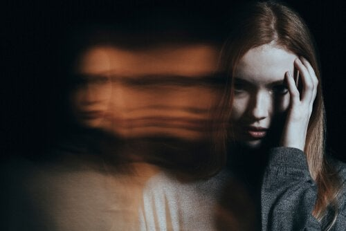 huzursuz kadın