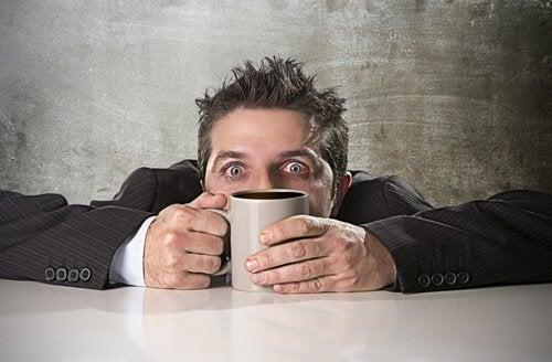 Kafein Zehirlenmesi Nasıl Gerçekleşir?