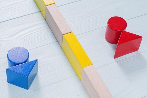 kırmızı ve mavi bloklarla cinsiyet temsili