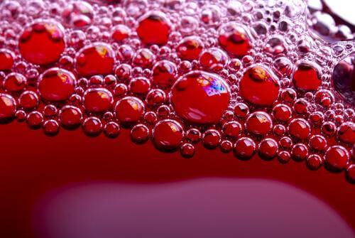 soda içinde oluşan baloncuklar