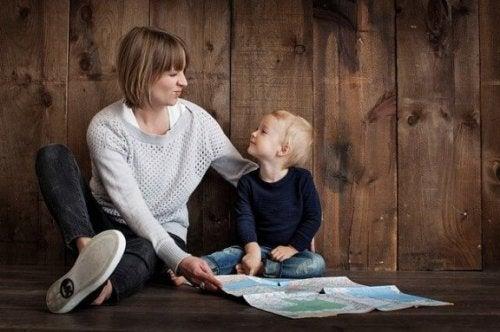 Tek Ebeveynli Aileler: Avantajları Ve Dezavantajları