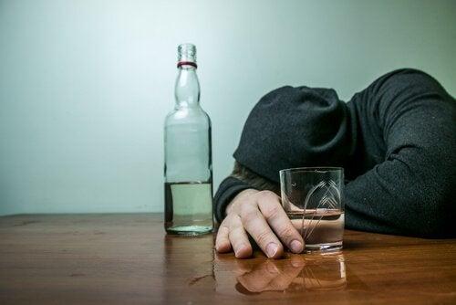 alkolik bir genç
