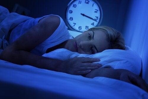 uyuyamayan bir kadın