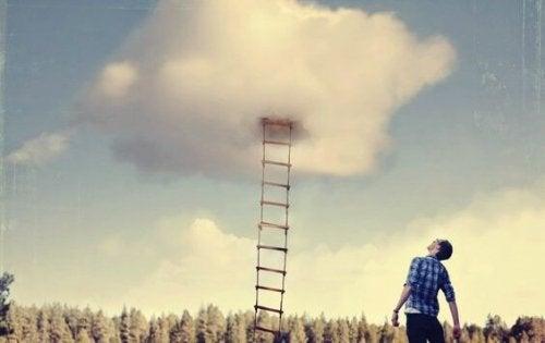 bulutlara çıkan merdiven
