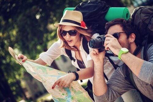 seyahat eden çift