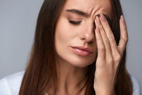 stres yaşayan kadın
