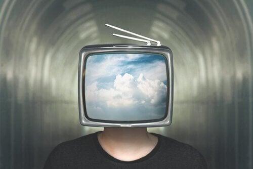 Televizyon kafalı adam