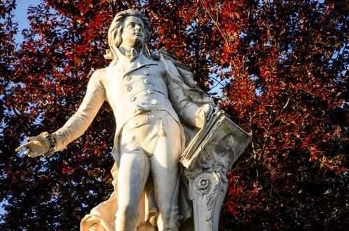Wolfgang Amadeus Mozart: Ölümsüz Bir Dahi