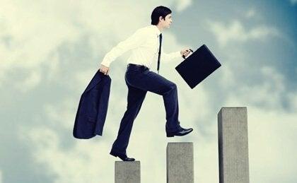 Peter Prensibi: Terfiler Yetersizliğe Neden Olduğunda