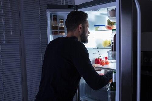 Gece Yeme Sendromu Hakkında Bilmeniz Gerekenler