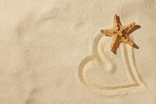 sanat terapisi olarak kumda çizim