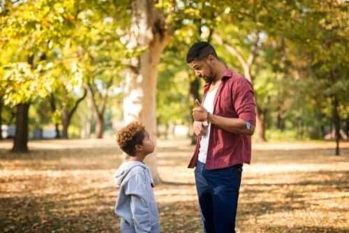 kötü davranışı anlatan baba