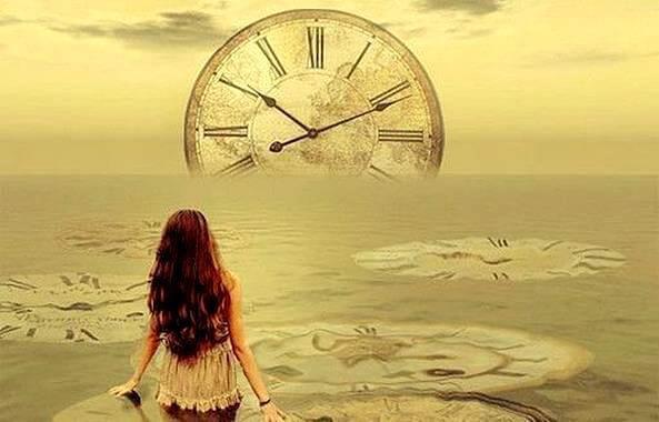 deniz üzerinde saat görseli