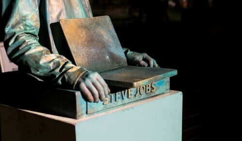 Steve Jobs heykeli