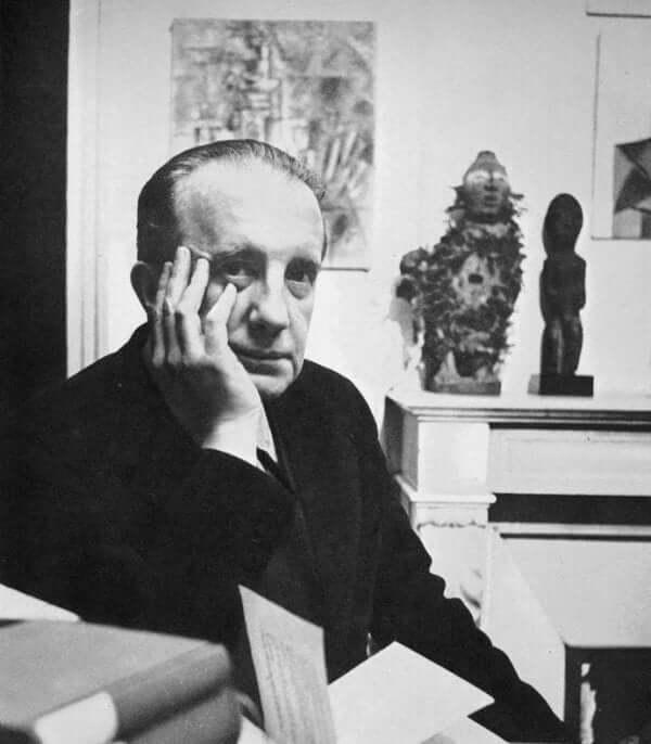 Paul Éluard'ın siyah beyaz bir fotoğrafı.