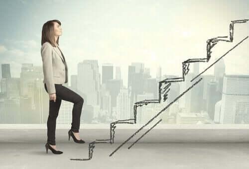 hayali kariyer basamaklarını tırmanan kadın