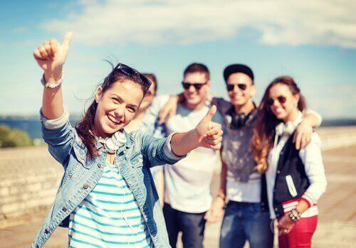 Başkaları İçin Mutlu Olmak Sizi De Mutlu Edebilir