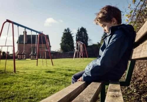 zorbalığa karşı ses çıkaramayan çocuk
