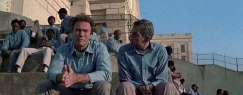 Kaçılamayacak hapishane Alcatraz'dan kaçan iki suçlunun akıbeti gizemini koruyor.