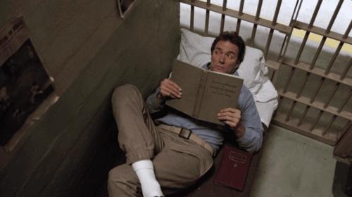 Clint Eastwood Alcatraz'dan kaçışını planlarken.