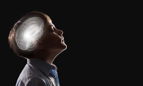 Bir çocuğun beynine dair soyut bir temsil.